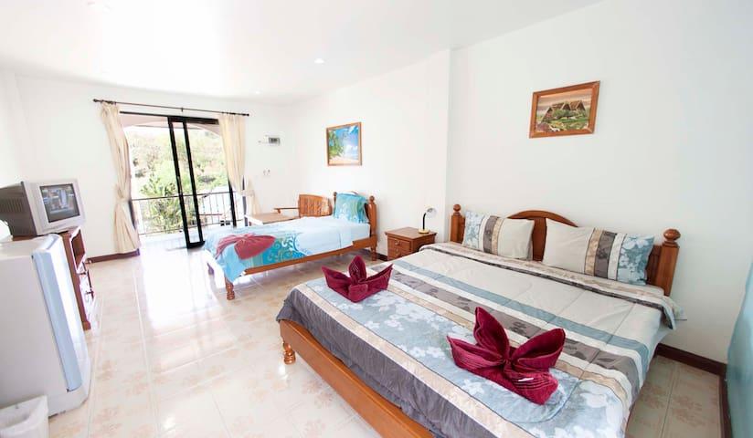 Lotus Friendly Hotel - Triple Room