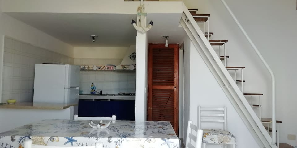 Apartment in Le Forna - view on Palmarola