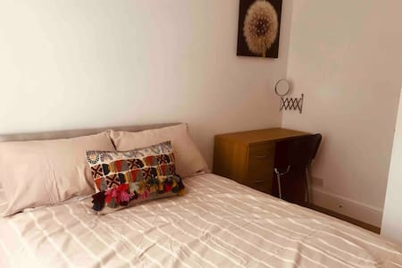 3 bed apartment, roof terrace + parking