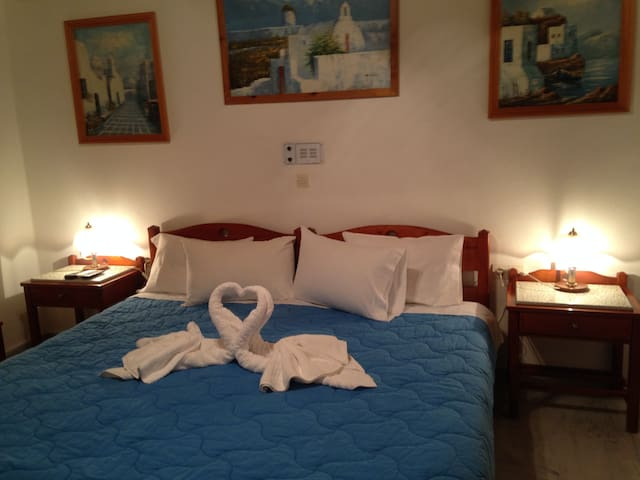 Double room in the center of Spili Village