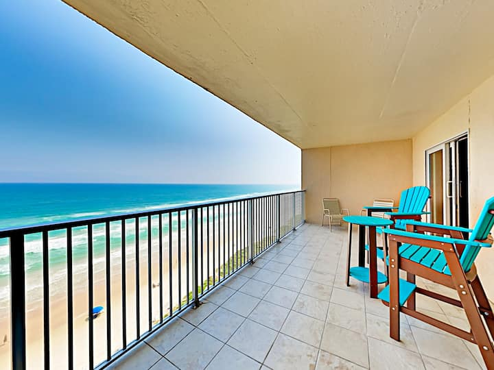 Hip Gulf-Side Condo w/ Hot Tub & Pool