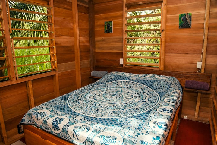 Pequeña Cabaña@Tree of Life Guesthouse