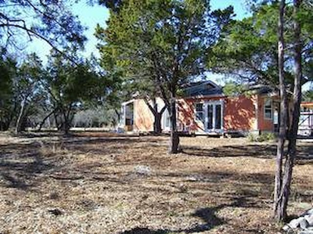 Charming Hill Country Cabin- 20 minutes to Austin! - Austin - Chalet