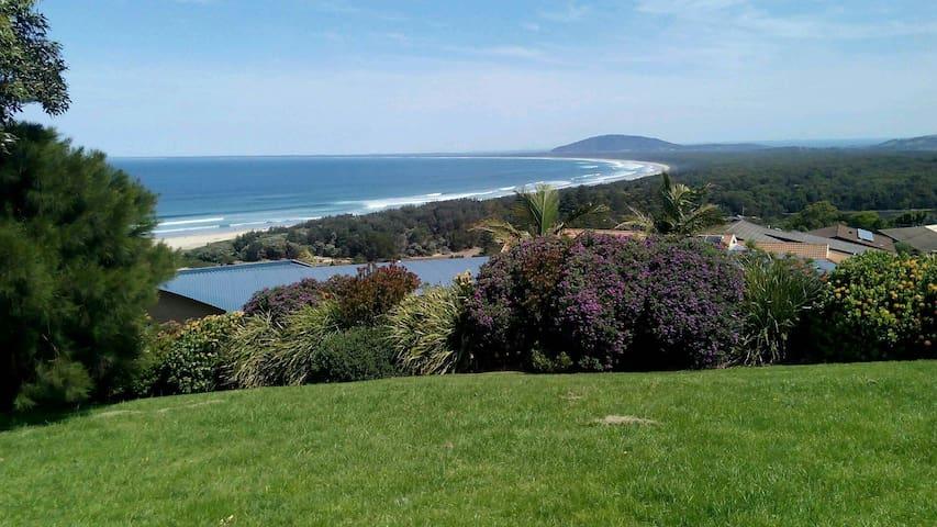 度假休闲房,在悉尼的南区卧龙岗,风景美丽这是一个旅游景区。 - Figtree - วิลล่า
