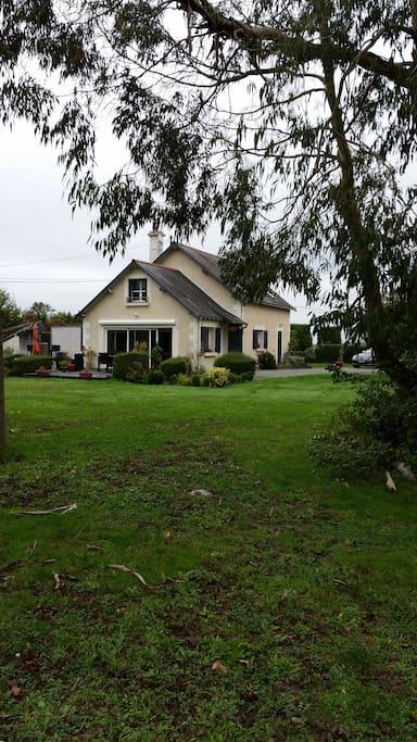 Maison au calme située sur un grand parc de 1 hectare
