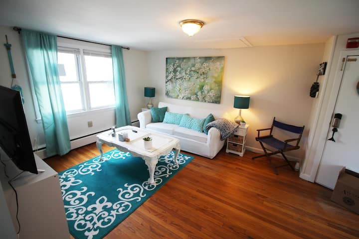 Mystic! 2BR - Apt in Downtown. Perfect getaway