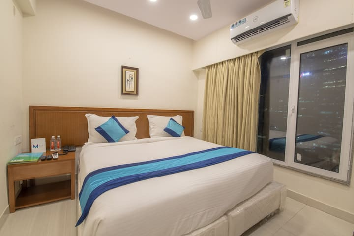 Stay Cozy @Lower Parel,freewifi+AC+TV
