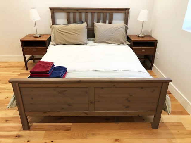 Your private bedroom comes with a queen bed, and all necessary bedding/towels etc.