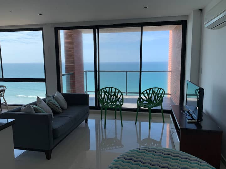 Delightful Beachfront Apartment in Manta