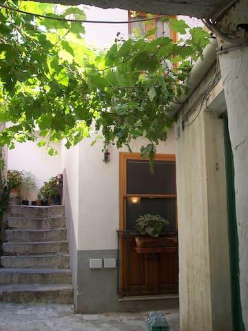 Vicoletto baglio antico