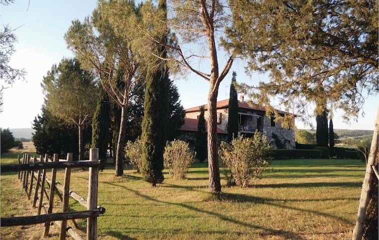 Holiday apartment with 2 bedrooms on 90m² in Gavorrano GR