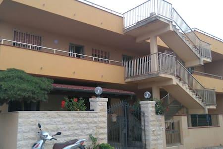 Appartamento a 150 metri dal mare - Sampieri