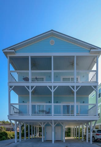 New beautiful 3 BR/3 Bath Home  near-ocean front