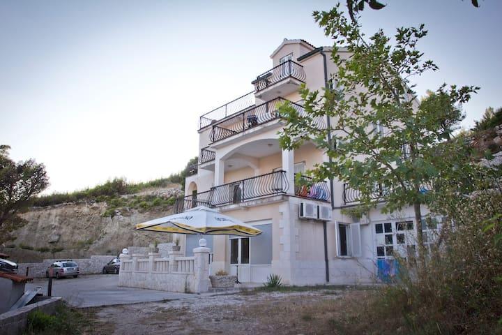 1 bedroom apartment with sea view - Lokva Rogoznica - Condominio