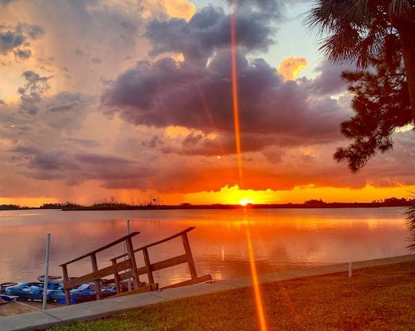 Waterfront 3 Bedroom/2 Bath Home - Sunset Point
