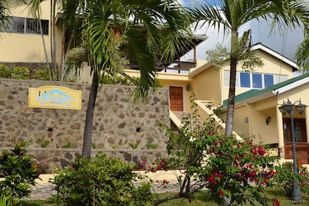 Bed, breakfast and a view - Castries City