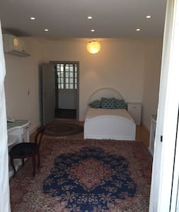 Chillaxing Rush, spacious room nile view terrace