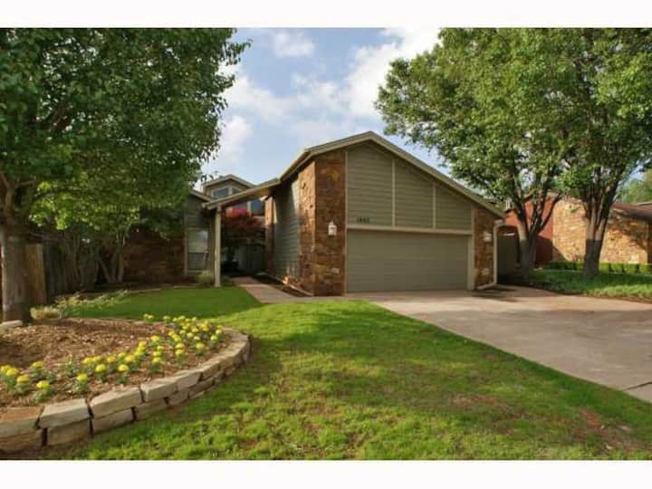 Incredible OKC/Edmond location. 20mins to Airport