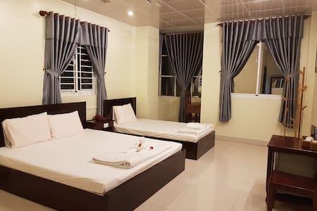 Hostel Dang Loi - Room for 3 peoples