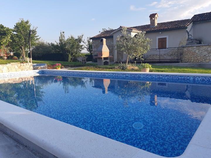"Stone house ""Bukaleta 2"" with pool"