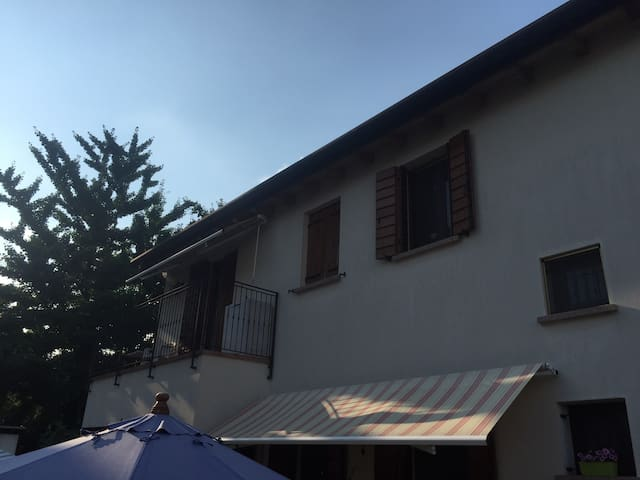 1/2 rooms 15min to Venice+breakfast - Mestre - House