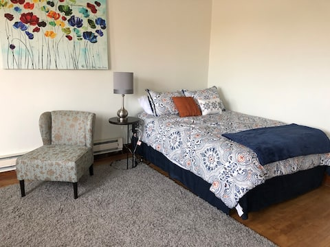 Cozy West Allis Studio Apartment