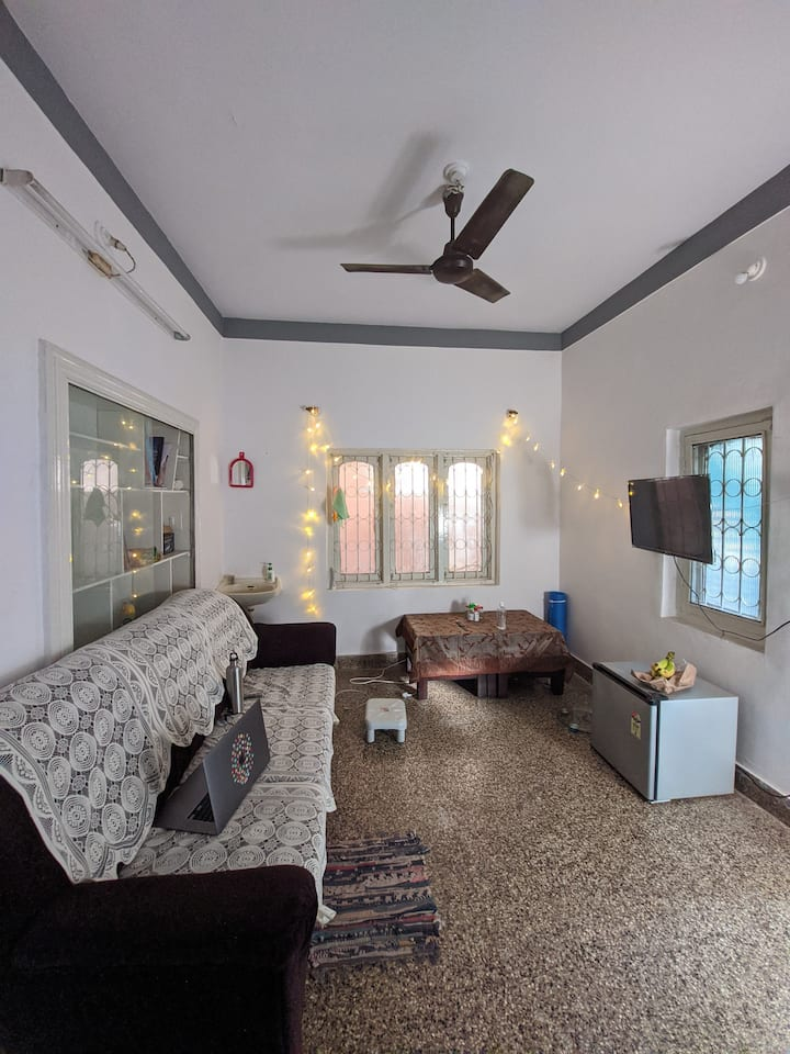 1 Room in a 2 BHK With all necessary amenities