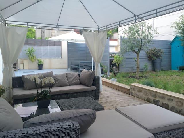 Master suite garden suite parentale jardin huizen te huur in ivry sur seine le de france - Ouderlijke suite ...