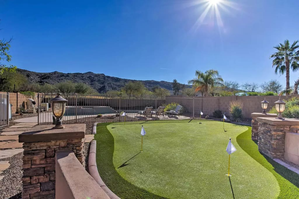 Professional Putting Green by Southwest Greens of AZ