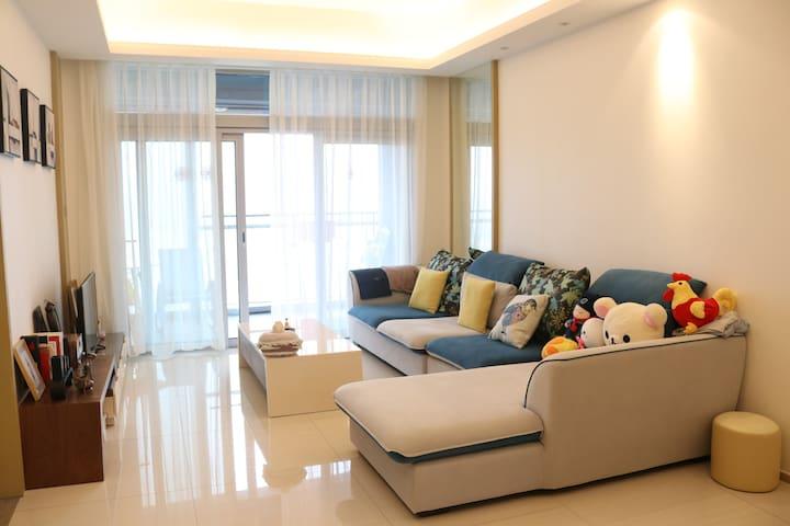 100平方米临水而居酒店式公寓,奔驰车可借你用 - Shenzhen - Apartmen
