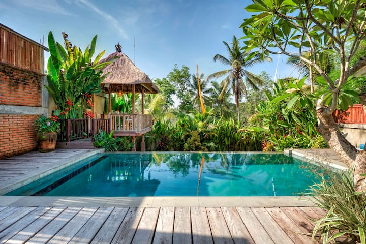 Hidden Tropical Villa w/ Private Pool & Nice View