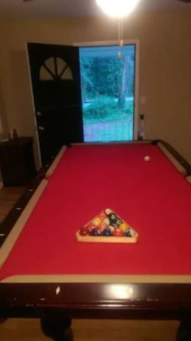 Leisure /Entertainment room with Pool Table