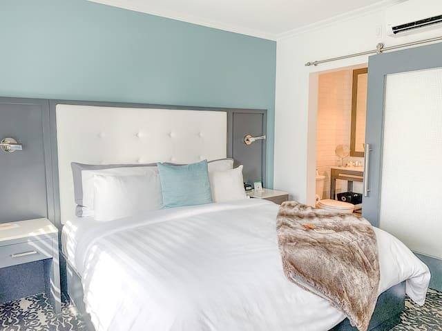 Hotel Marisol Coronado - King Room