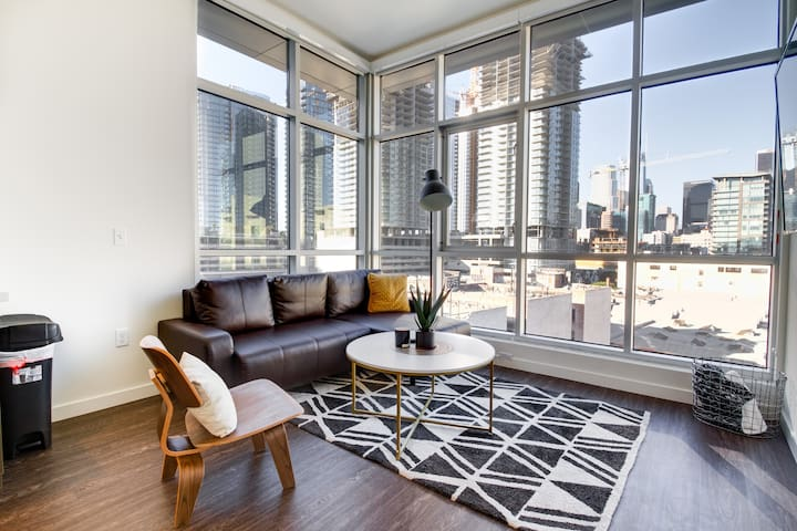 ⭐️⭐️⭐️⭐️⭐️2BD/1BA Luxury Suite + Sweeping Views