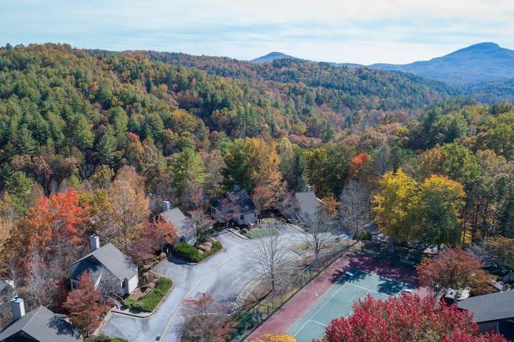 #114 IGLS Villas in Innsbruck Golf Resort- NOT PET FRIENDLY-  5 minutes from Alpine Helen, GA.