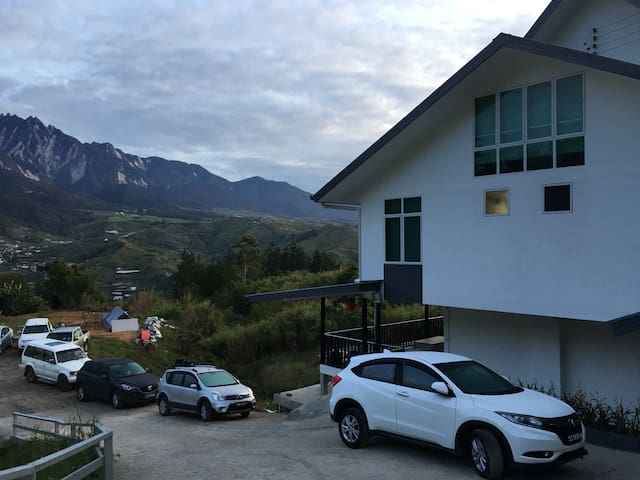 Amazing majestic mountain view - Ranau - Casa