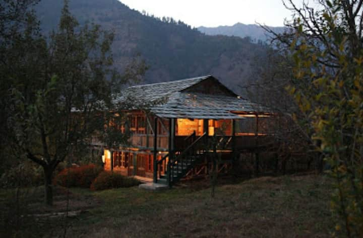Poonam Mountain Home Stays