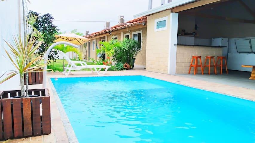 Casa com piscina para temporada em Prado Bahia