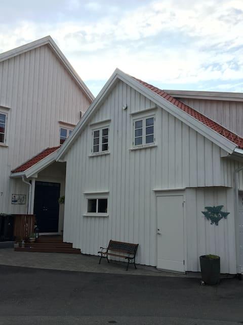 Nice apartment/loft at Bjorbekk, close to Arendal