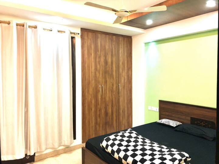 Apartment in the center of south delhi