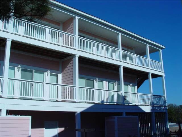 The Retreat 5B Condominium