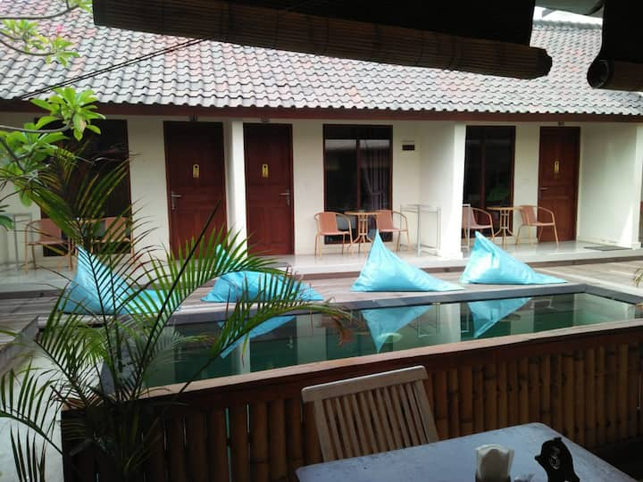 Clean and Spacious Bungalow with quite vibe