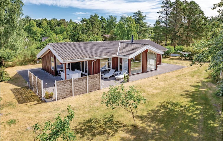 Holiday cottage with 3 bedrooms on 109m² in Sjællands Odde