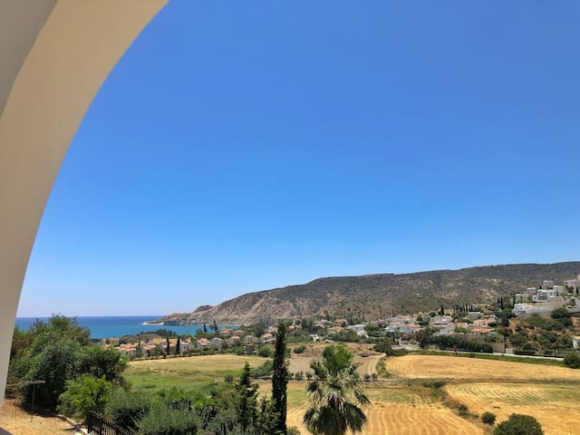 No 10, stunning 2 bed apartment, Pissouri Bay