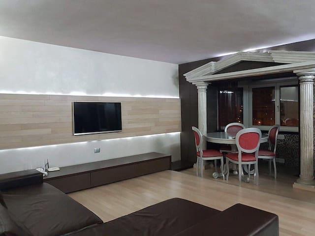 Stylish apartment close to Iulius Mall