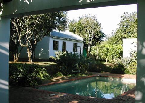 Nieshout Cottage
