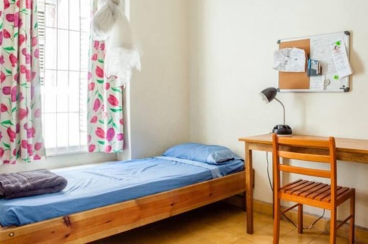 Yaka Hostel