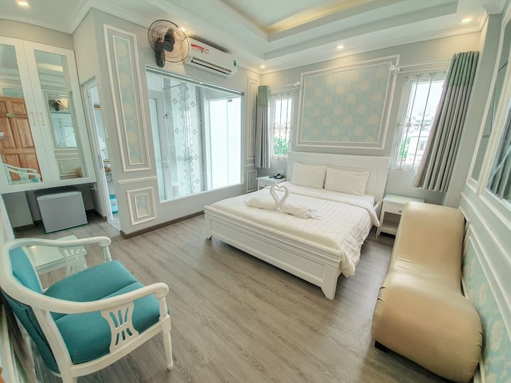 BLUE CHIC Room - Wonder hotel in Binh Chanh, HCMC