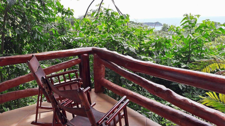 El Avion Ocean View Studio 2 with Balcony Sleeps 4