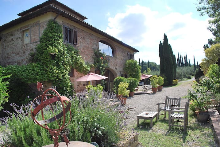 Villa in Tuscany with friends :) - Castelfiorentino - Bed & Breakfast